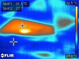 Thermal bridging in summer through downlights